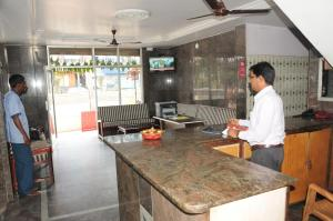Hotel Sarovar Deluxe A/C Lodge
