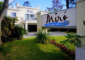 (Joan Miró Hotel)
