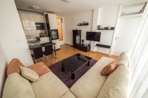 Apartman Avaz