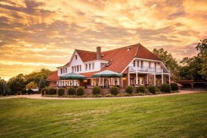 Zur Gutsstube - Golf- & Jagdakademie Schloss Wilkendorf