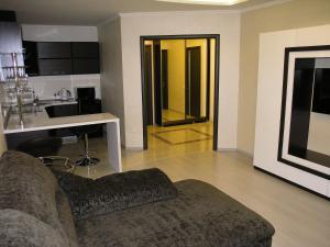 Apartament na 2-y Mira