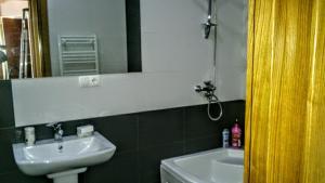 Apartment on K. Marjanishvili 16, Апартаменты  Тбилиси - big - 7