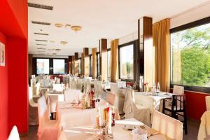 Hotel Torino, Hotely  Cesenatico - big - 69