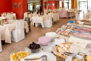Hotel Torino, Hotely  Cesenatico - big - 65