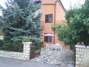 Two-Bedroom Apartment in Rovinj VI