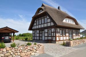 Holiday home Dranske/Insel Rügen 33030, Prázdninové domy  Lancken - big - 1
