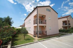 Porec Two-Bedroom Apartment 4
