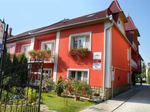 (Apartment in Heviz I)
