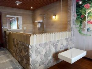 Shanghai New Concept Hotel Caolu Financial Information Garden