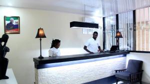 Metro Hotel, Отели  Freetown - big - 6