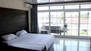 Metro Hotel, Отели  Freetown - big - 5