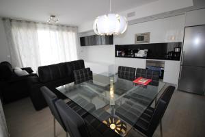 Villa Tindra, Vily  Torrevieja - big - 2