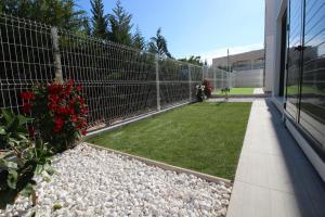 Villa Tindra, Vily  Torrevieja - big - 12