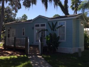 Tropical Palms Elite Two-Bedroom Cottage 87