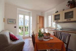 The Turtles Garden, Holiday homes  La Spezia - big - 6