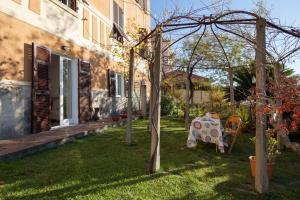 The Turtles Garden, Holiday homes  La Spezia - big - 1