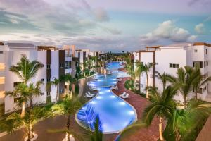 Blue Beach Punta Cana Luxury Resort (Blue Beach Punta Cana Luxury Resort - Brand New)