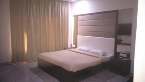 Veena Regency, Hotel  Chās - big - 15
