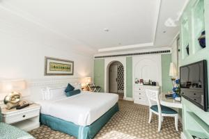 Club King or Twin Room with Sea View
