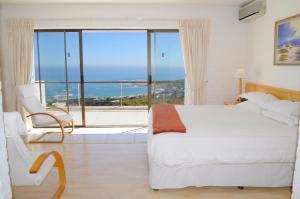 Camps Bay Villa, Guest houses  Cape Town - big - 20