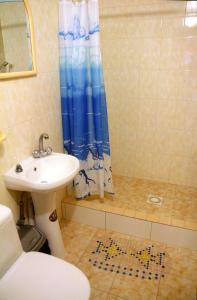 Guest House GorodOk, Bed and breakfasts  Chornomorskoe - big - 156