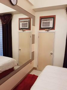 Chateau Elysee Condo Unit - Vendome, Apartments  Manila - big - 41