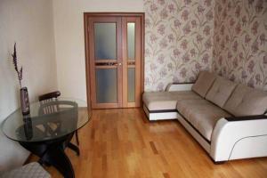 Apartment on Akademika Petrova