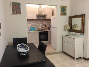 Lorenzo Magnifico Apartment, Апартаменты  Рим - big - 18