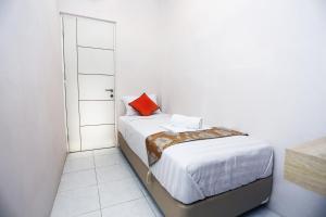 C.Stone Hotel, Hotels  Surabaya - big - 8