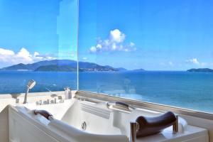 Executive Seaview Apartment
