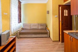 Apartment-studio on Vitovskogo 37