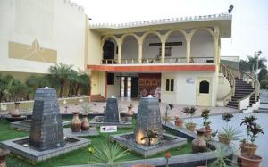 Savshanti Resort Anand