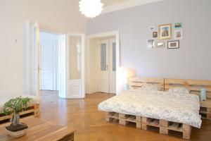 Paul's Huge Apartments Central Prague