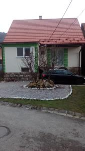 Guest House No 117