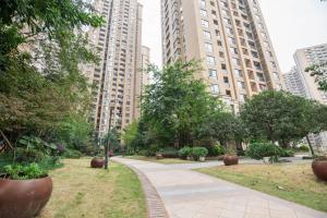 Chao's Apartment - Guan Fu