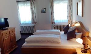 Hotel Pension Lindenhof, Penzióny  Prien am Chiemsee - big - 23