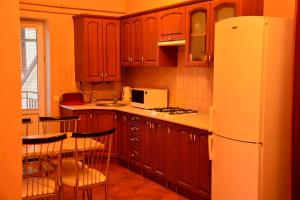 Apartment on Sukhovolya Street 9, Apartments  Truskavets - big - 27