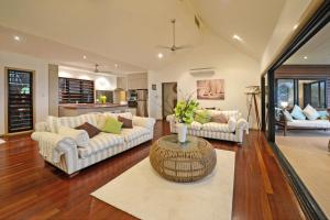 Paddons, Holiday homes  Airlie Beach - big - 5