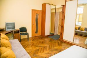 Apartment on Holubovycha 48