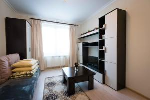 (Apartment on Igorya Merlushkina st.)