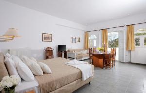 Ξενοδοχείο Milos Villas (Φηρά)