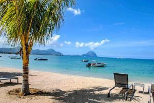 L'Escale 3 Bedrooms Beachfront Duplexe Suite by Dream Escapes - , , Mauritius