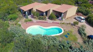 Residence Corbezzolo Rosso, Nyaralók  Costa Paradiso - big - 1