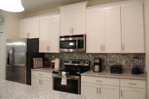 3130 Storey Lake - Wonder Vacation Homes, Дома для отпуска  Киссимми - big - 17