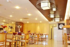 ZEN Rooms Kedung Sari Wonorejo, Szállodák  Surabaya - big - 17