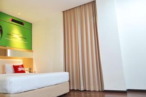 ZEN Rooms Basic Kedung Sari Wonorejo, Hotely  Surabaya - big - 3