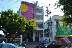 ZEN Rooms Kedung Sari Wonorejo, Hotely  Surabaya - big - 13