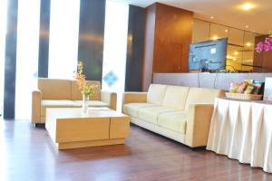 ZEN Rooms Kedung Sari Wonorejo, Hotely  Surabaya - big - 15