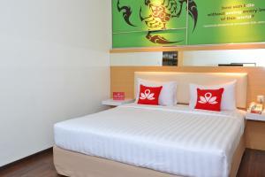 ZEN Rooms Kedung Sari Wonorejo, Hotely  Surabaya - big - 6
