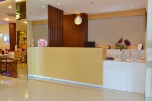 ZEN Rooms Kedung Sari Wonorejo, Hotely  Surabaya - big - 20